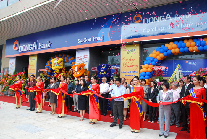 Grand opening of DongA Bank's new transaction office in Saigon Pearl
