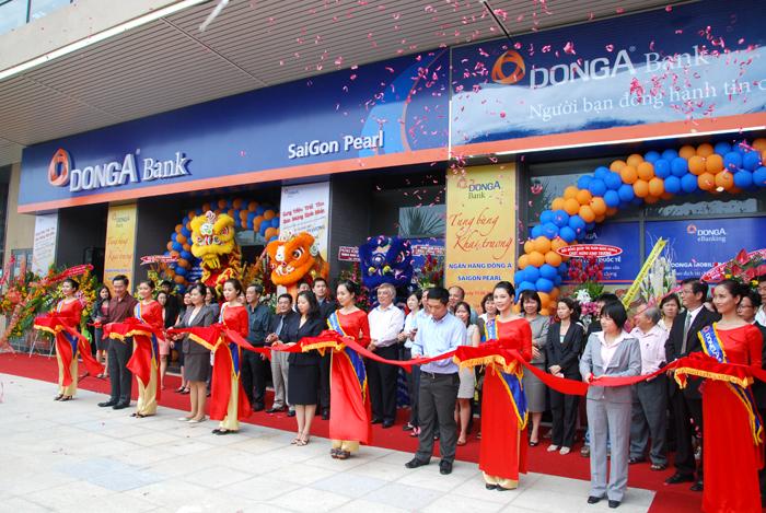 DongA Bank khai trương phòng giao dịch tại Saigon Pearl