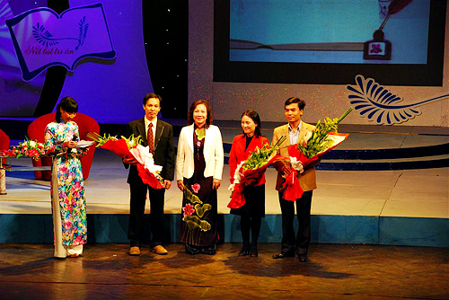 "Launching the 2nd contest of ""Writing with Gratitude"" - 2010"