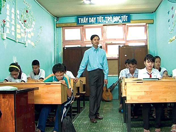 Người đàn ông mù và 30 năm phấn đấu làm thầy