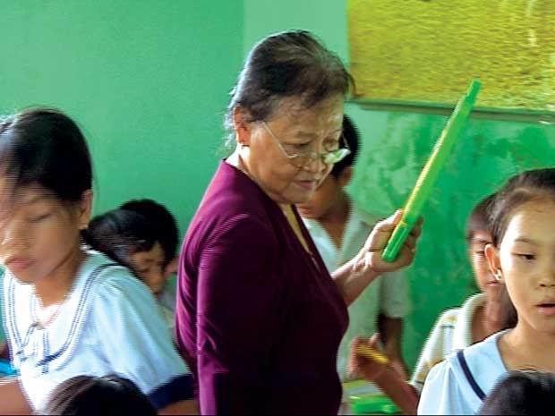 Bà giáo tận tuỵ mở lớp tình thương